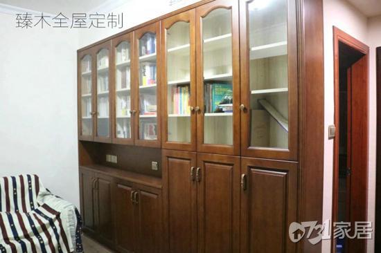 全屋定制衣柜和请木工打制衣柜到底哪个好