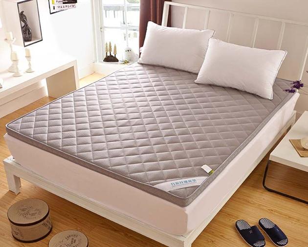 怎么样挑选适合自己的好床垫?选错了的话睡的很累还会脊柱变形