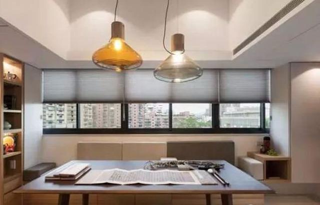 20平米装修成两室一厅,厨卫齐全,是怎么做到的?